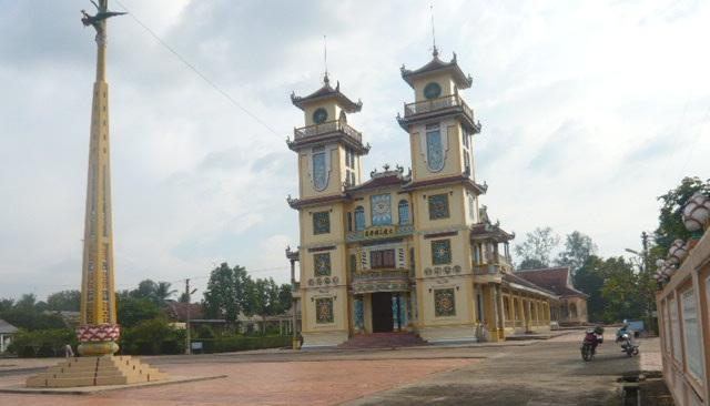 Den Tho Phat Mau QT